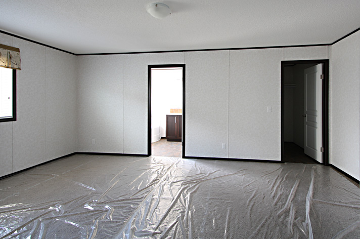 Master bedroom with ensuite and walk-in closet