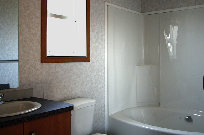 Ensuite bath - located off the master bedroom